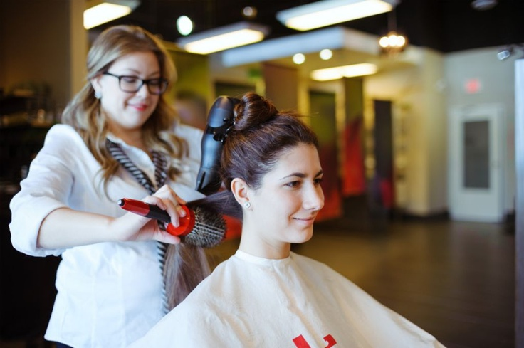 Experience fast and friendly hair services, only at Noir
