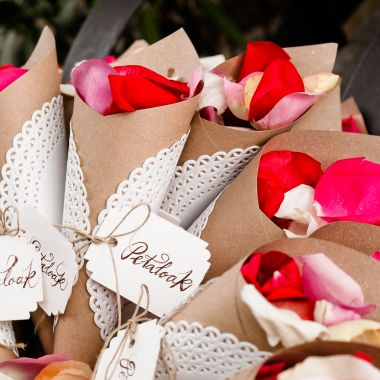 petalos de rosa para tu boda