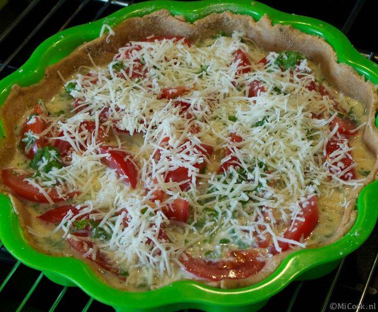 Een heerlijke hartige taart met courgette & tomaat! Een tijdje geleden maakte ik al een zomerse variant, ook met courgette en (cherry)tomaatjes, maar aangezien het buiten kouder wordt, vond ik het tijd voor een iets andere variant, niet meer zomers, maar richting herfst. We kunnen nu ook wel zeggen dat het herfst is. De bladerenRead More