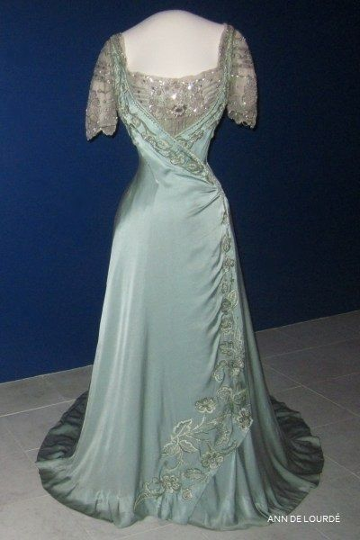Maud of Wales, Queen Consort of Norway (1869-1938) Evening Dress from ca 1909, Autumn 2012, The Costume Gallery, The Museum of Decorative Arts and Design, Kunstindustrimuseet, Oslo, Norway.