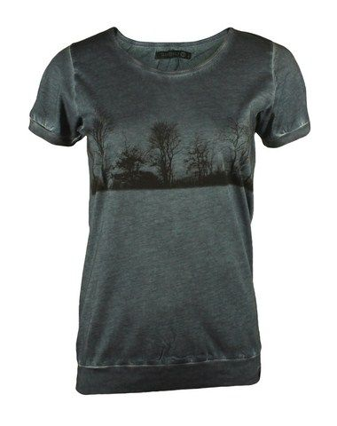 Ny t-shirt med print i Dk Sky:  http://www.tankestrejf.dk/snow-tee.html