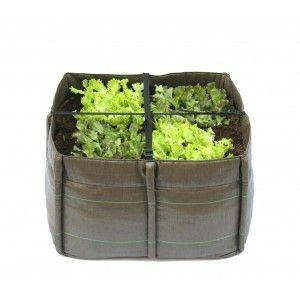 BACSQUARE 4 DA 140 LITRI. Il Bacsquare 4 da 140 litri è un vero orto che, grazie alle dimensioni contenute, può facilemente essere collocato in balconi di piccole dimensioni. Grazie alla profondità offerta da questo contenitore, è possibile coltivare molti tipi di ortaggio a radice profonda oltre naturalmente alle piante aromatiche. $95