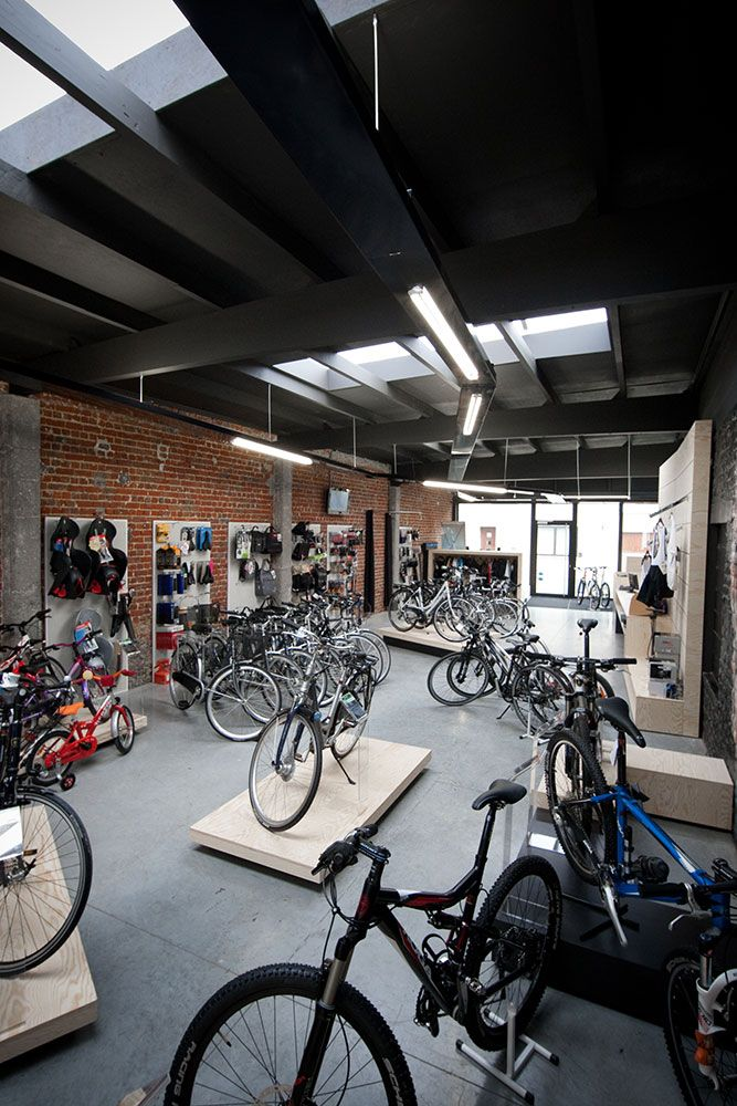 bike shop interior design by Alexander Hugelier www.beeldpunt.com photography by Valerie Clarysse