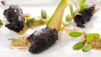 Receta de ancas de rana negras con verde mexicano #cocina #receta #hogarmania #arguiñano #ancas #rana