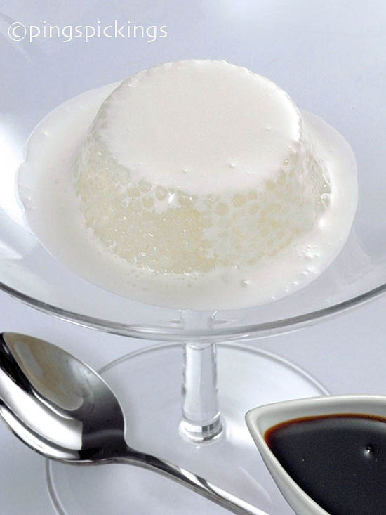 Palm Sugar and Coconut Cream Sago Pudding (Sago Gula Melaka)