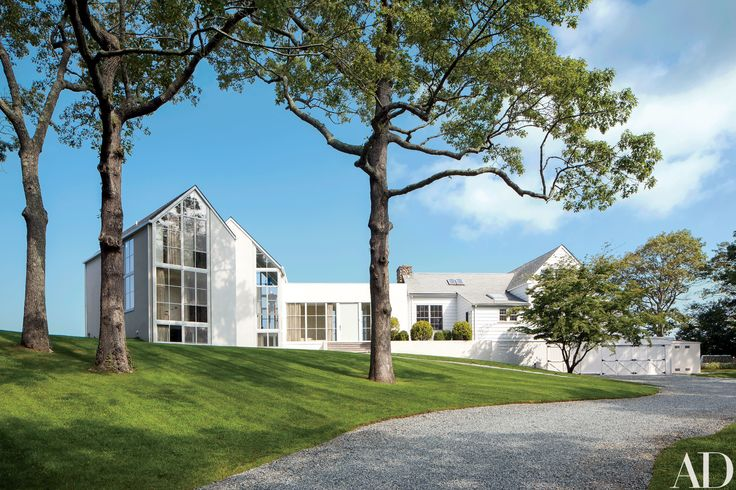 Knoll CEO Andrew Cogan's Light-Filled Shelter Island Beach House Photos | Architectural Digest