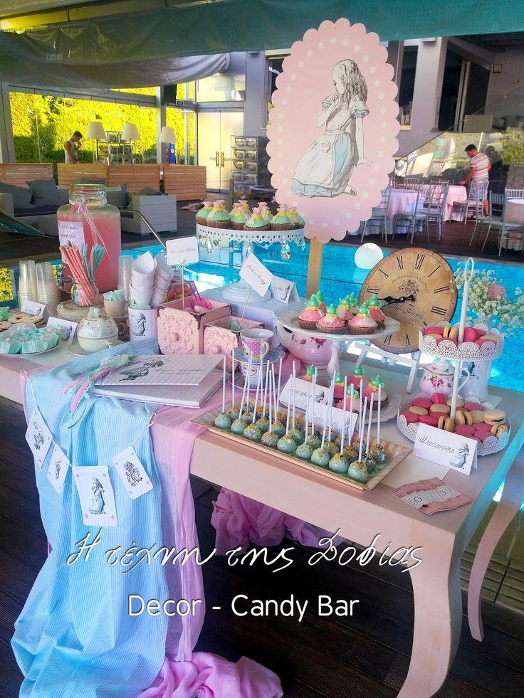 Candy Bar με θέμα η  Αλίκη στην χώρα των θαυμάτων. Candy Bar Alice in wonderland themed Baptism.