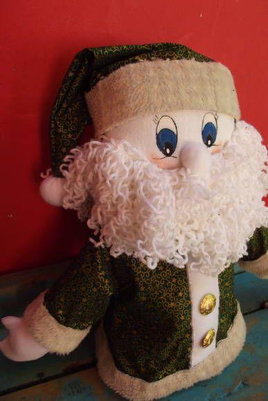 Lindo noel para peso de porta ou decoração da sua casa para o natal,não deixe de ter pelo menos um para entrar com tudo no clima de natal. Confeccionado com tecido natalino ,barba de lã e os olhos pintados à mão com um toque de delicadeza. R$ 46,40