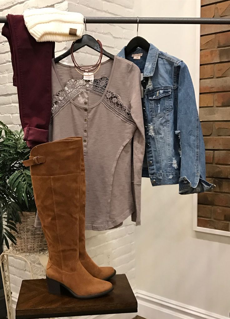 Heading out for a casual day? Or maybe work allows you to dress super adorable! Either way this little outfit is spot on!  #ShopALB #ApricotLaneTS