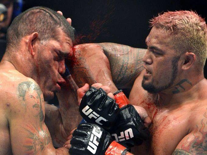 Bigfoot Silva vs Mark Hunt @ UFC fight night 33