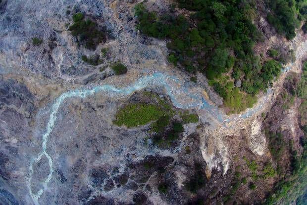 DRONE JOURNALISM: Menapak Kawah Ratu Gunung Salak