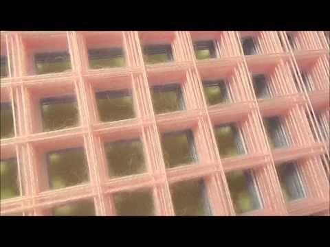 Плед из помпонов - YouTube