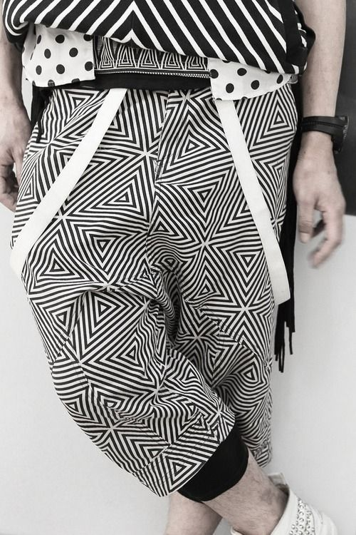 juxtaposition, stripes, lines, dots, black and white, contrast