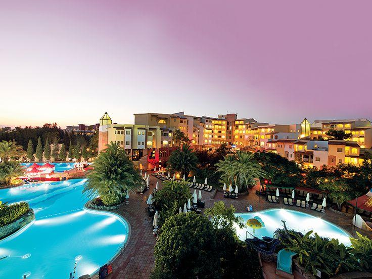 Huzur ve doğanın adresi Limak Arcadia sadece yaz tatilleri için değil kış tatilini de sıcacık bir yerde geçirmek isteyenlerinde Antalya'da ki adresi. bit.ly/MNGTurizm-limak-arcadia-s