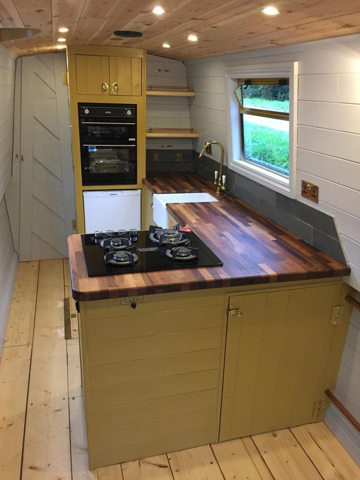 West Riding Boat Co 57 Traditional for sale UK, West Riding Boat Co boats for sale, West Riding Boat Co used boat sales, West Riding Boat Co Narrow Boats For Sale 'Comet' 57ft narrowboat with new fitout - Apollo Duck