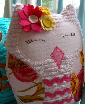 Precious Owl Pillows for childs crib or bed.