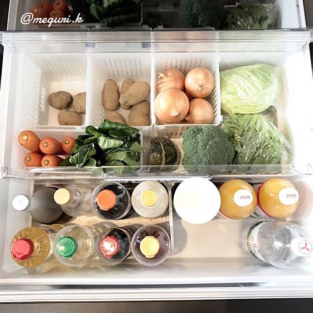 皆さんは、冷蔵庫にあるのに無駄な買い物をしてしまったり、いつのまにか賞味期限が切れてしまっていたり、という経験はありませんか?無駄を出さない食材管理は、節約にもつながり、冷蔵庫もスッキリとうれしいことだらけ♪今回は、冷蔵庫の中まで抜かりなく整頓されている、RoomClipユーザーさんの実例を紹介します。