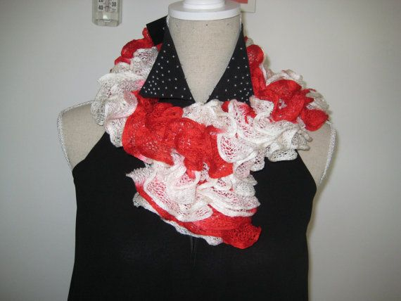 Ruffle Scarf  Knitted Red White  Acrylic by MinnieCreation on Etsy, €12.74