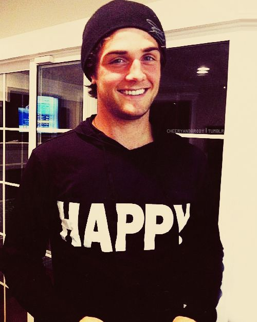 i want that sweater.. and that man