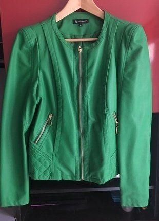 À vendre sur #vintedfrance ! http://www.vinted.fr/mode-femmes/autres-manteaux-and-vestes/26200047-blouson-simili-cuir-vert-prairie-attentif-txl