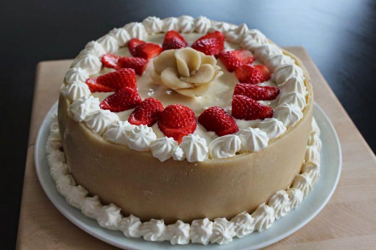 Ager bager: Lagkage med jordbær og chokoladebunde