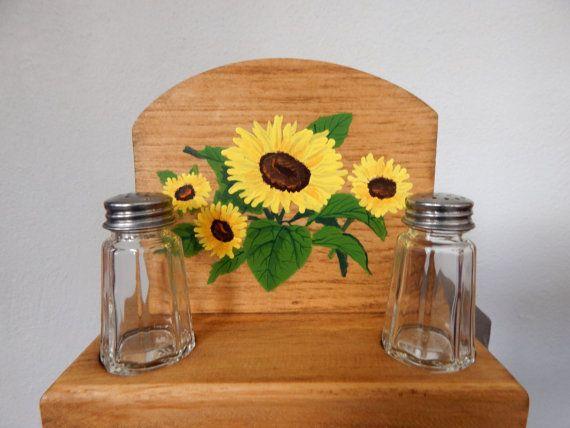 Napkin holder, sunflower napkin holder, sunflower napkin/salt and pepper holder, wooden napkin holder, sunflower decor, sunflower kitchen