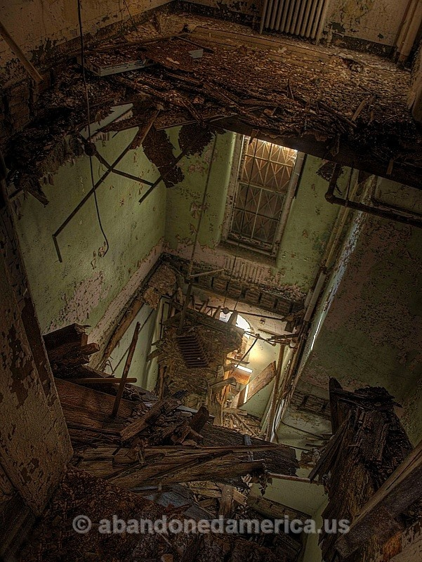algonquin river state hospital - photographs by matthew christopher murray of abandoned americaAbandoned Structures, Rivers Hospitals, Rivers States, Abandoned America, Abandoned Issues, Hospitals Abandonedamerica Us, Abandoned Beautiful, Abandoned Places, Algonquin Rivers