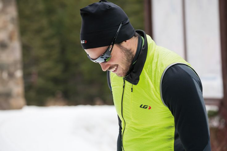 The hybrid construction of the Alpha Vest combines X-Lite 19 fabric that is ultralight and blocks headwinds with 60 g of Polartec® Alpha® Insulation. The heavyweight Polartec® Drytex 6000 on the back insulates and stretches for freedom of movement. The full-length front zipper is offset for enhanced comfort when layering with another zippered jersey and/or jacket. The vest is packable in the zippered back stow pocket and has a chest pocket as well.