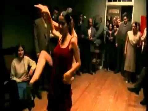 ▶ Tango Dance - Salma Hayek y Ashley Judd - Movie Scene Frida Kahlo - Canta Lila Downs - YouTube