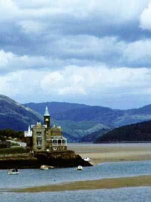The Clock House just outside Barmouth, Wales. On the estuary, it's just gorgeous. - this is my absolute dream home and has been for so many years