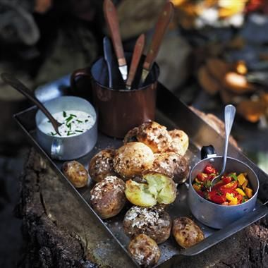 This makes me want to go camping! Bonfire night recipes - mini baked spuds with soured cream & chives and fiery salsa
