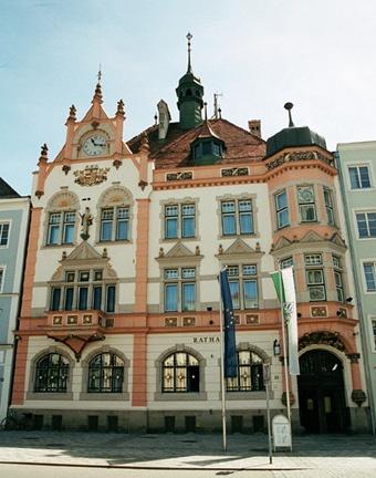 Stadhuis (City Hall) Braunau am Inn (Oostenrijk, Austria)