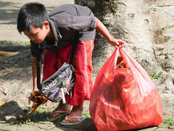 Our students are very motivated to help putting in effort to clean up the area! #vpbali #kids #education #inspire