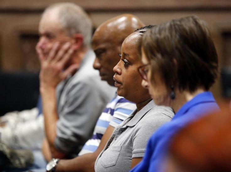 Katrina Johnson, second right, looks on during the murder trial of Jorge Sanders-Galvez in Keokuk, Iowa, Thursday, Oct. 26, 2017. Sanders-Galvez is one of two men accused of killing her son, Kedarie Johnson, 16, of Burlington, Iowa. (Zach Boyden-Holmes/The Des Moines Register via AP, Pool)