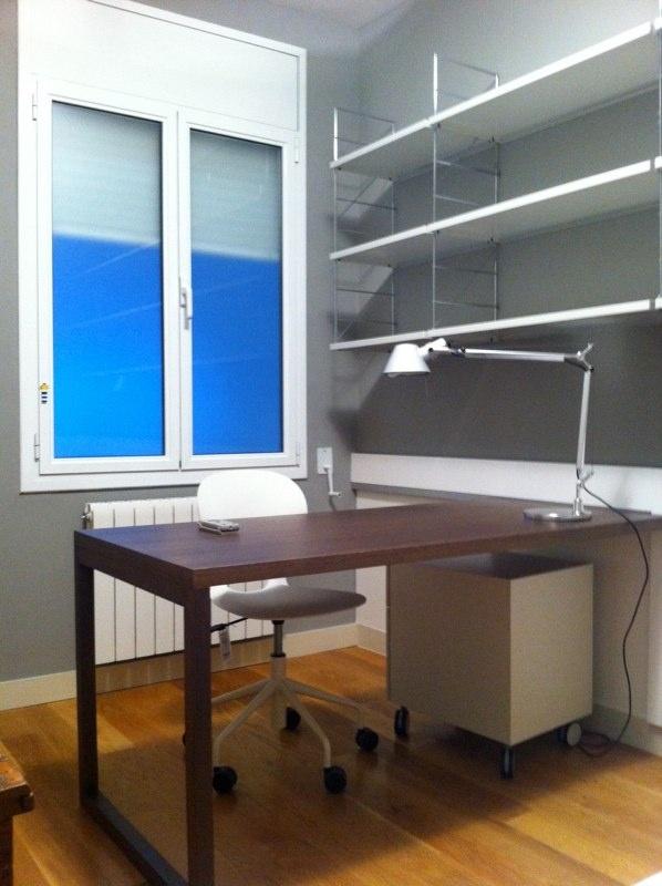 Mesa para subir a la estanteria y poner cama debajo!