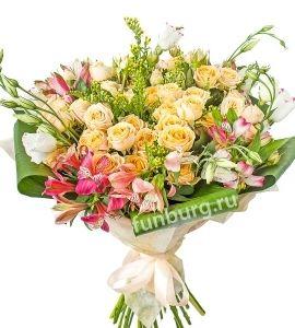 7 кустовых роз, 5 эустом, 5 альстромерий, 3 солидаго, 5 листов аспидистры, фетр