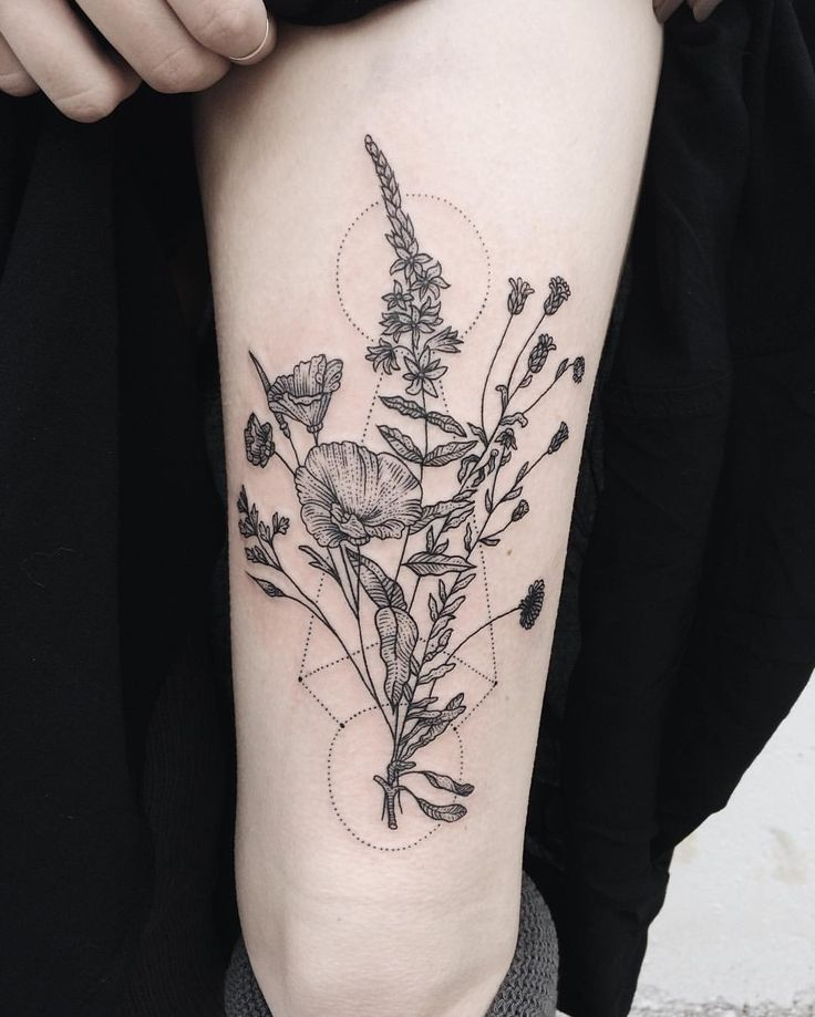 Part two of wilting wildflower bouquets, similar but different, for twins.  Thanks Heather and Haley! Check out @tenderfootstudio to see the pair together   #tattoo#geometry