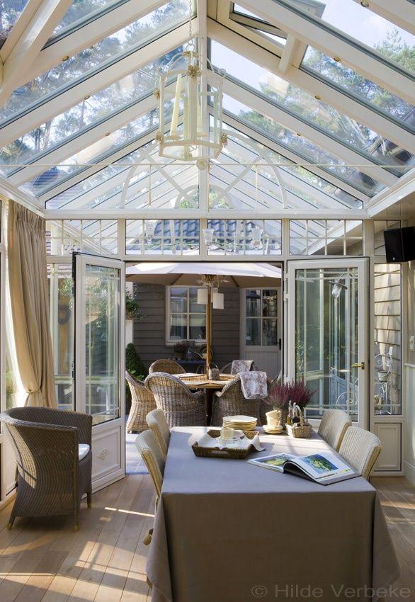 Leefveranda met prachtig landelijk interieur met zicht op engelse tuin de mooiste veranda 39 s - De mooiste verandas ...