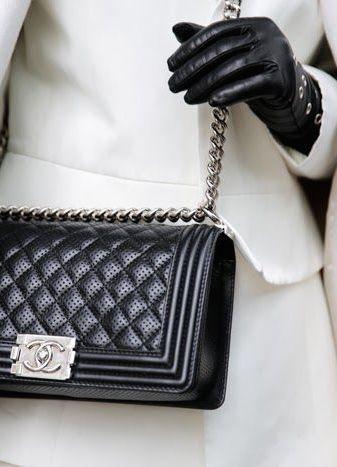 Black & white | Chanel boy bag