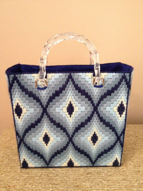 Hand-stitched Blue Bargello Diamond van KarensCraftCove op Etsy