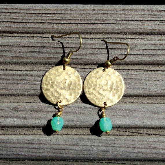 Summer Jewelry Gold Disc Earrings Hammered Brass par Minkykitten