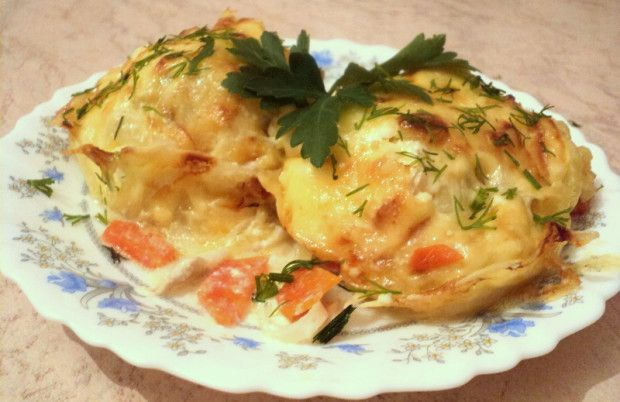 Fish and potatoes in the oven (Рыба с картошкой в духовке)