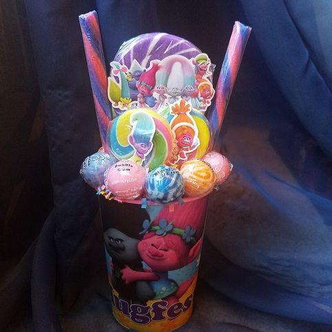 One+made+to+order+TROLLS+Lollipop+Bouquet.+The+perfect+gift+for+that+TROLLS+fan+or+great+table+centerpieces+at+your+next+TROLLS+birthday+party.    *cup+is+reusable*  *lollipops+are+all+edible    Discounts+given+on+multiple+ordered+message+me++first+