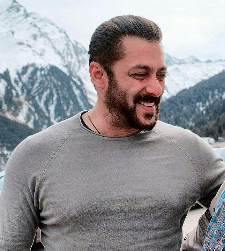 Salman Khan Cute Smile Pictures Colorfullhdwallpapers Salmankhan Salman Khan Wallpapers Salman Khan Salman Khan Photo