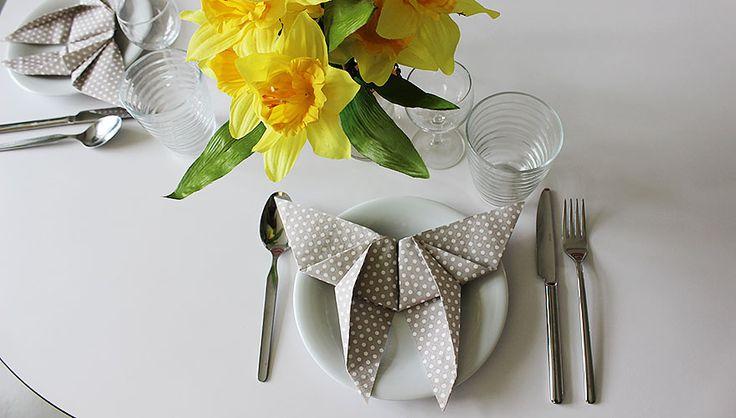 11 besten servietten falten bilder auf pinterest servietten falten servietten und erntedank. Black Bedroom Furniture Sets. Home Design Ideas