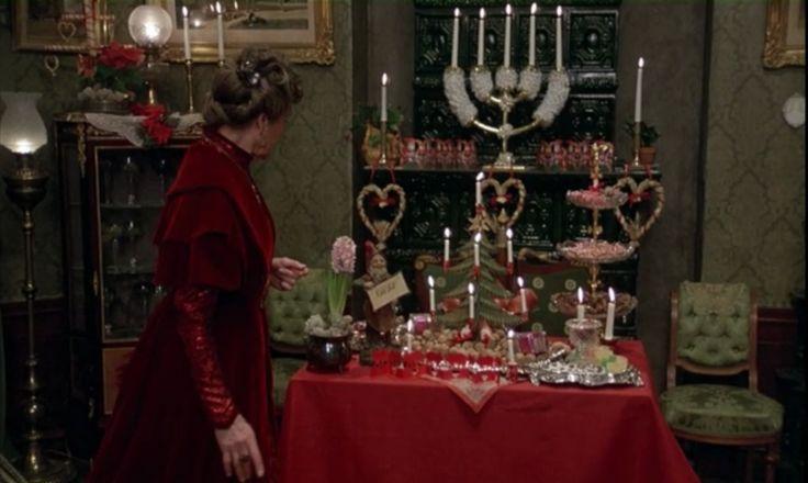 christmas interior fanny and alexander