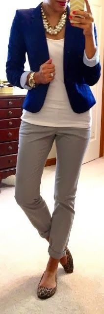 Professional, yet casual business attire. Love the shoes! Fashion for the Modern Mom
