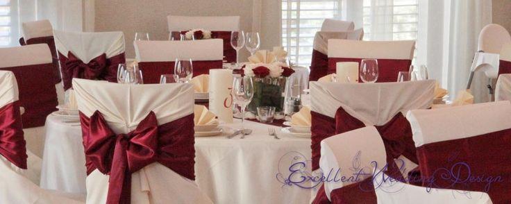 Bordó esküvői dekoráció