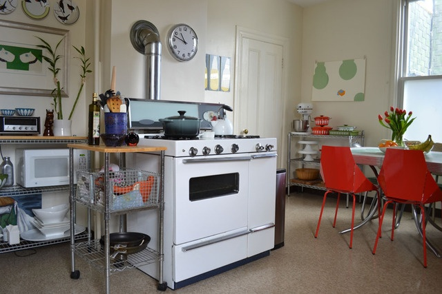 I do like the rack shelving, the big clock, red chairs: House Tours, Vintage House, Stove, Dreams Kitchens, Apartment Therapy, Red Chairs, Andrew Vintage, Modern House, Vintage Modern Kitchens