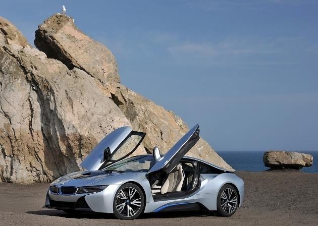 Grâce à son appétit d'oiseau, le coupé hybride rechargeable BMW i8 profite d'un bonus écologique de 4 000 euros